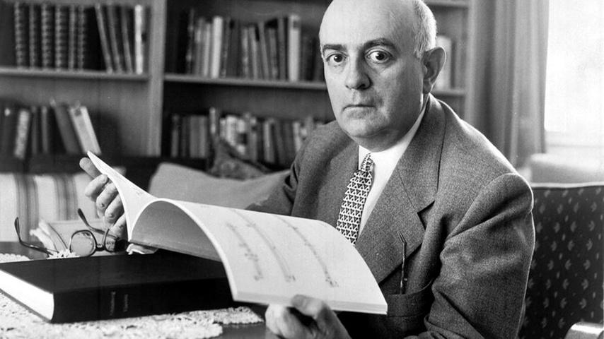 Theodor Adorno - La differenza tra commedia e tragedia