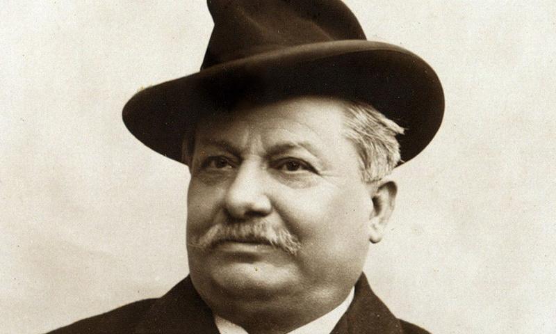 Giovanni Pascoli - La tessitrice