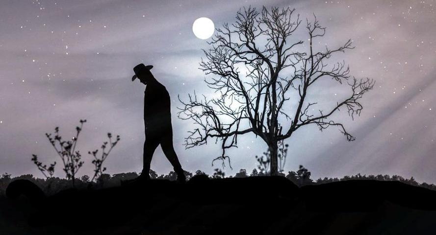 Konstantinos Kavafis - Gli uomini solitari vedono cose che noi non vediamo