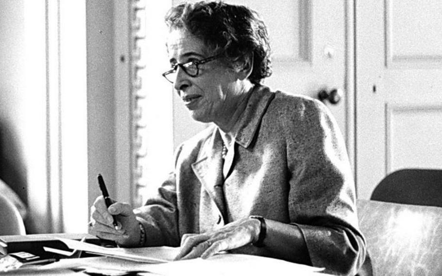 Hannah Arendt - La felicità conseguita nell'isolamento dal mondo