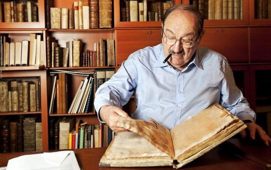 Libro cartaceo o ebook? Risponde Umberto Eco