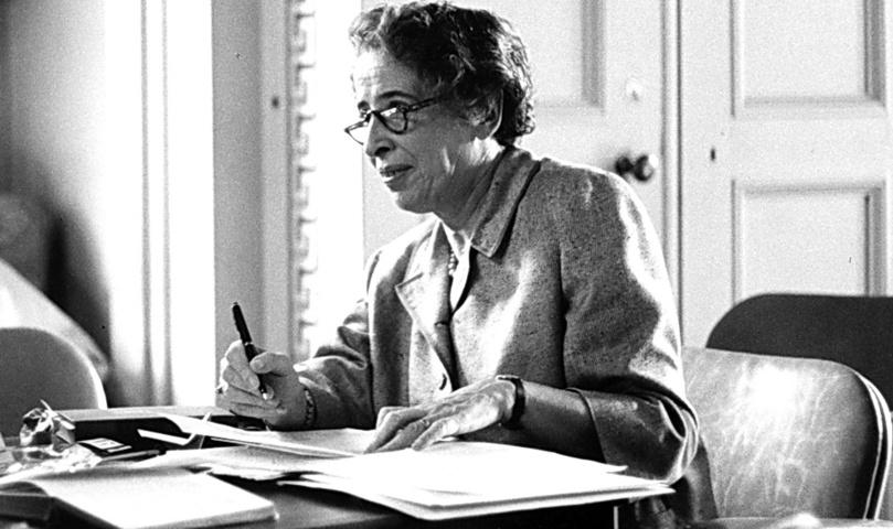 Hannah Arendt - Il dominio totale non consente libertà d'iniziativa