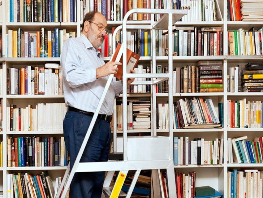 Umberto Eco - Leggere i libri attraverso i polpastrelli