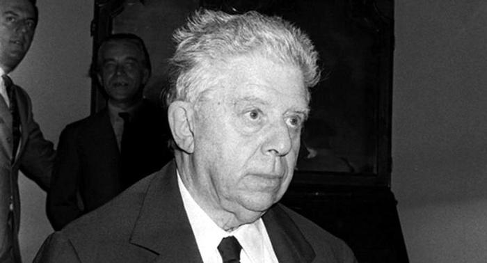 Eugenio Montale - Gli uomini che si voltano