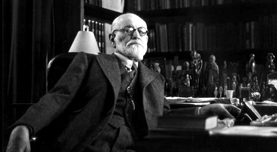 Sigmund Freud - La massa è un gregge che non può vivere senza un padrone