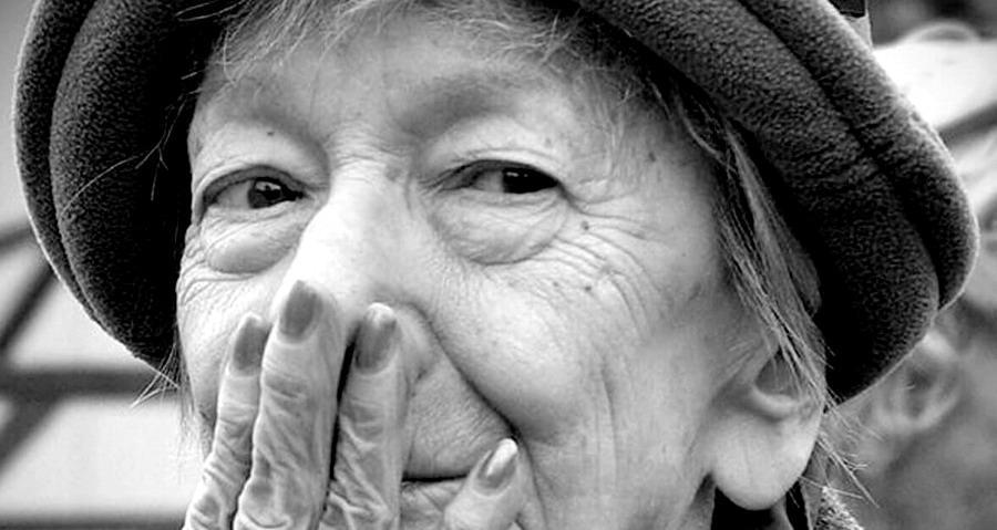 Wislawa Szymborska - Addio a una vista
