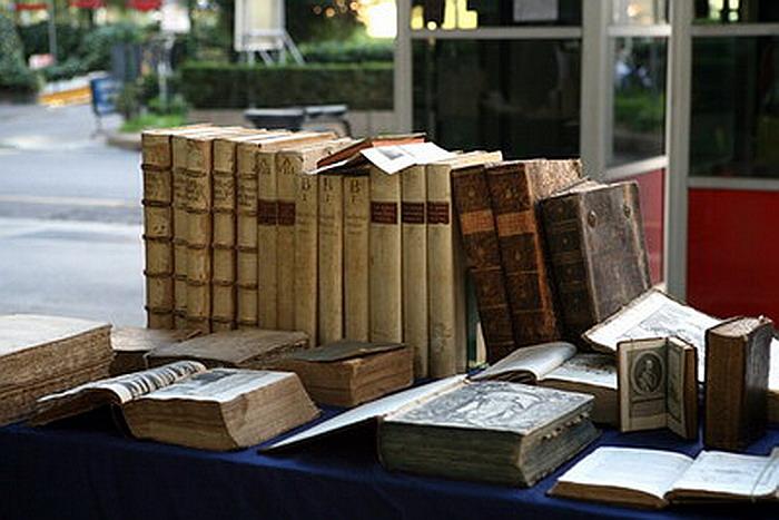 Vecchi libri in piazza - Milano, Piazza Diaz, tutte le seconde domeniche del mese