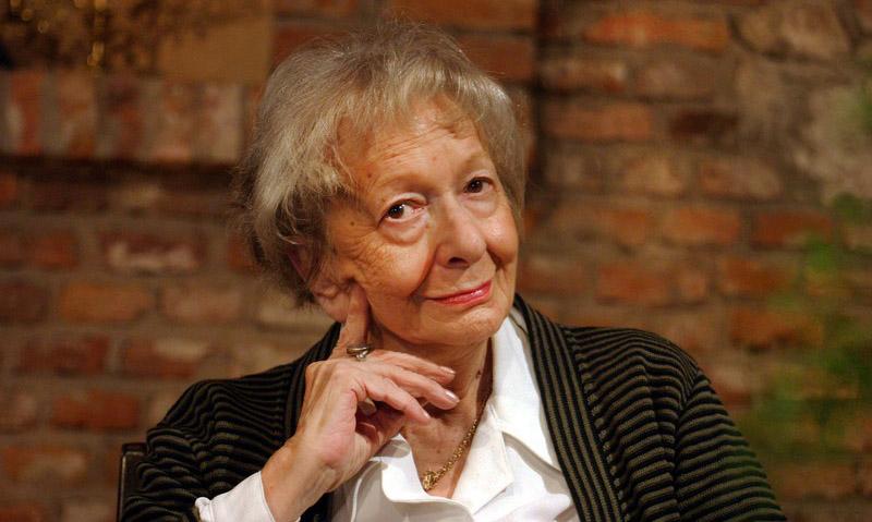 Wislawa Szymborska - Ritratto di donna
